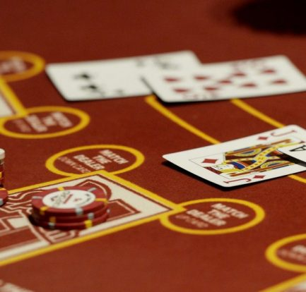 Casino Poker QIU Offers Entertainment