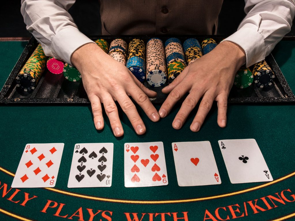 The Globe Collection Of Casino Poker Is Online This Year
