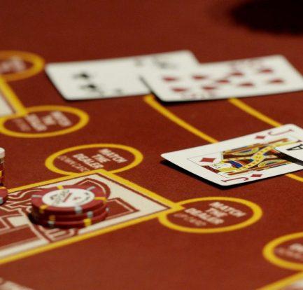 Casino Poker QIU Offers Entertainment