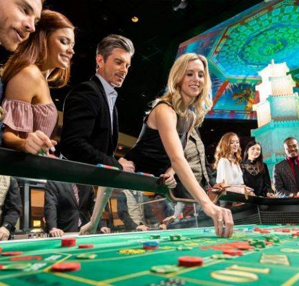 The Lady Who Gamble - Gambling